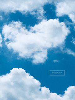 青空に雲の写真・画像素材[2095020]
