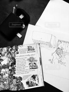 モノクロで、文房具。の写真・画像素材[2253393]