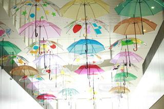 屋内,雨,傘,カラフル,ヒカリ,カサ