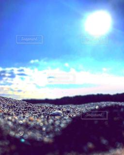 海,冬,太陽,晴れ,青空,晴天,青,砂浜,海辺,貝殻,日光,お散歩,おでかけ,インスタ映え,射す,砂浜海辺