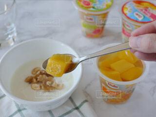 食べ物,朝食,ジュース,オレンジ,テーブル,フルーツ,果物,くだもの,カップ,ヘルシー