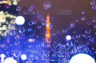 シャボン玉と東京タワーの写真・画像素材[2020549]
