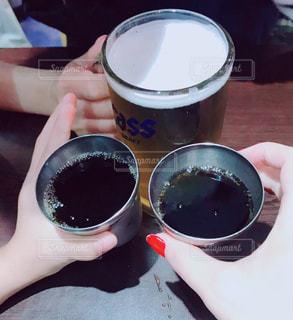 親子,子供,旅行,グラス,ビール,コーラ,乾杯,ドリンク
