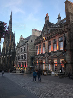スコットランド 建物に反射する光の写真・画像素材[2034492]