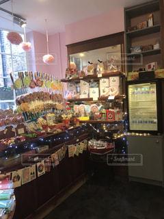 キャンディーショップ行きたい!お菓子の世界へトリップ!の写真・画像素材[2121471]