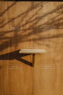 木製のテーブルの写真・画像素材[2454721]
