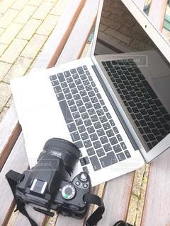 カメラ,ベンチ,パソコン,ノートパソコン,PC,ビジネス,リモートワーク,ビジネスシーン,テレワーク