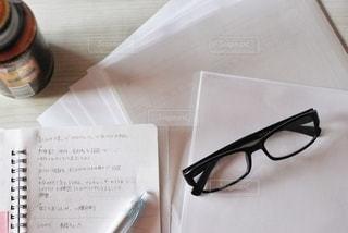 書類とノートの写真・画像素材[2763472]