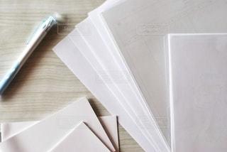 書類とペンの写真・画像素材[2763481]