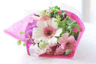 ピンクの花束の写真・画像素材[3087028]