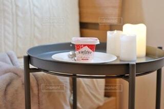 テーブルの上のボウルのクローズアップの写真・画像素材[3960964]