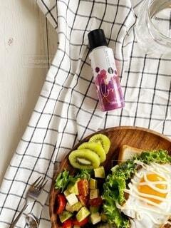 食べ物,屋内,果物,野菜,皿,料理