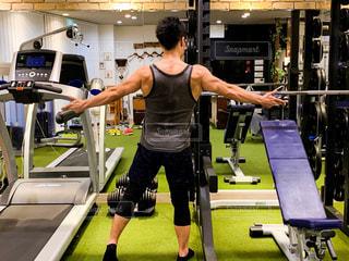 男性,30代,スポーツ,人物,運動,トレーニング,エクササイズ,ジム,筋肉,体力,ダンベル,ワークアウト,自分磨き,ウエイトトレーニング,ボディメイク,ボディパンプ,トレーニングジム,筋力トレーニング,ボディービル,エクササイズマシン