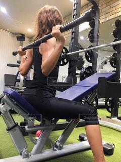 女性,スポーツ,人物,運動,トレーニング,エクササイズ,ジム,体力,バーベル,ウエイトトレーニング,トレーニングジム,筋力トレーニング