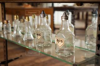 インテリア,ショップ,アンティーク,ガラス,瓶,お店,ビン,洋風,西洋,雑貨屋,空き瓶,おしゃれ,花びん,商品,骨董品