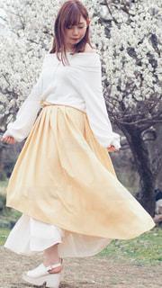 白いドレスを着た人の写真・画像素材[2314817]