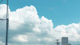 青空の人の写真・画像素材[2411452]
