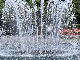 水,水滴,爽やか,水しぶき,キラキラ,噴水,水玉,雫,しずく,迫力,涼む,飛び散る