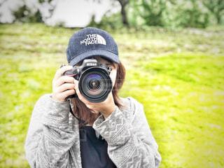女性,公園,カメラ,自撮り,帽子,女,女子,女の子,セルフィー,カメラマン,デート,東京ドイツ村,ぼうし,ドイツ村,Nikon,ニコン,こうえん,セルフショット,カメラレンズ,一眼一眼レフ