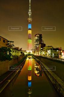 夜の街の写真・画像素材[2342484]