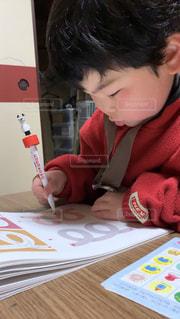 ペンを握る事が大事の写真・画像素材[2486050]