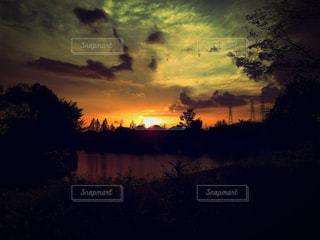 自然,風景,空,夕日,湖,太陽,雲,綺麗,晴天,夕暮れ,景色,光,グラデーション