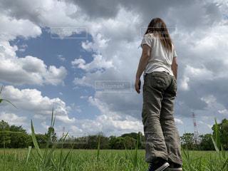 屋外,青い空,女子,リラックス,お散歩,まったり,日中