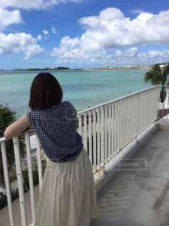 女性,風景,海,屋外,後ろ姿,沖縄,人物,背中,人,日中