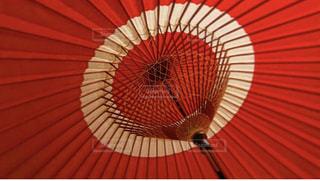 赤い傘の写真・画像素材[2183392]