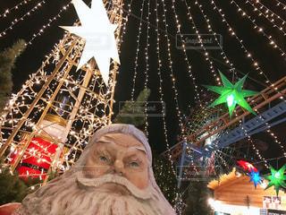 クリスマスツリーとサンタの写真・画像素材[2868055]
