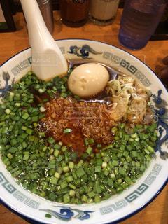ブロッコリーを使った食べ物の皿の写真・画像素材[2098125]
