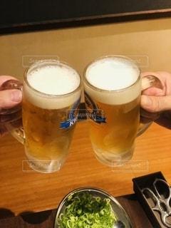 屋内,手,テーブル,グラス,ビール,カップ,店,乾杯,ドリンク,祝い