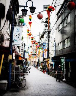街の通りの人々 のグループの写真・画像素材[1426750]