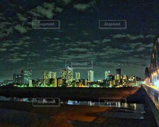 夜の街の景色の写真・画像素材[1700221]