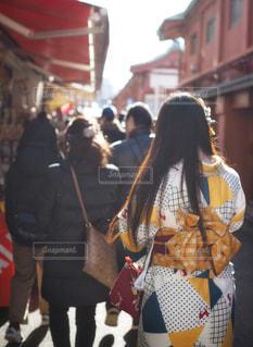 群衆,屋外,後ろ姿,女の子,都会,人物,着物,人,成人,振袖,成人式,成人の日