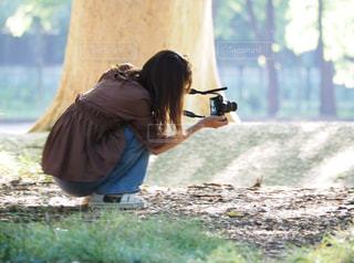 女性,風景,カメラ,後ろ姿,撮影,人物,人,地面