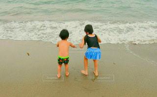 海,後ろ姿,波,子供,人物,人,後姿
