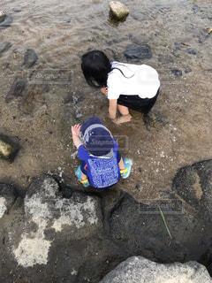 サンダル,裸足,川,子供,川遊び,半袖