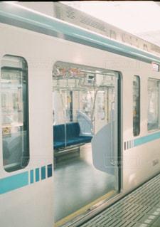 地下鉄穏やかな朝の写真・画像素材[2957428]