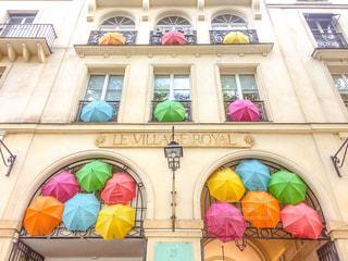 建物,傘,屋外,海外,カラフル,晴れ,水,窓,いっぱい,パリ,たくさん,雫,海外旅行,雨の日,フォトジェニック,インスタ映え