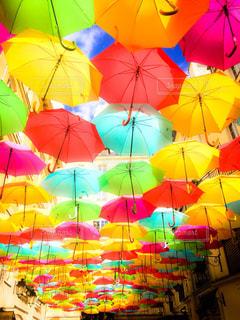 傘,カラフル,晴れ,水,いっぱい,パリ,たくさん,雫,海外旅行,雨の日,フォトジェニック,インスタ映え