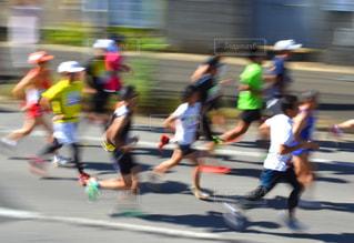 市民マラソンに参加したランナーたちの写真・画像素材[2135812]