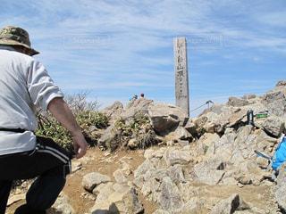 自撮り,後ろ姿,トレッキング,登山,背中,60代,お年寄り,失敗,セルフタイマー,三脚,男の人
