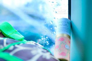雨,窓,バック,香水,雫,雨の雫,アンバサダー,練り香水,パフュームスティック,perfumestick,VENUSSPA,愛されフローラル,チアフルビューティ