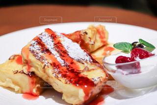 ふわふわフレンチトーストの写真・画像素材[2255087]