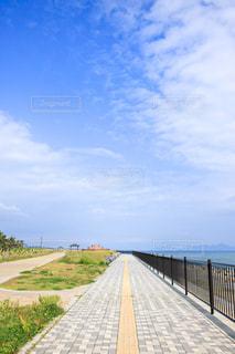 青い空と海の写真・画像素材[2272329]