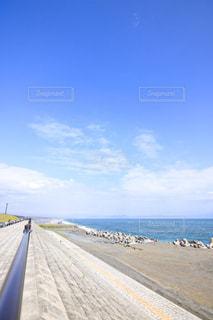 青い空と海の写真・画像素材[2272346]