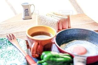 サンドイッチの朝食の写真・画像素材[2484026]
