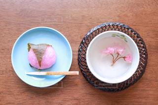 道明寺桜餅と桜茶の写真・画像素材[2967232]