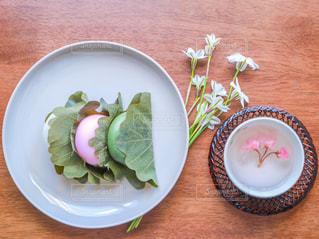 柏餅と桜茶の写真・画像素材[2970097]